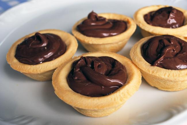 Empadas-de-Chocolate-com-Recheio-de-Brigadeiro-Gourmet